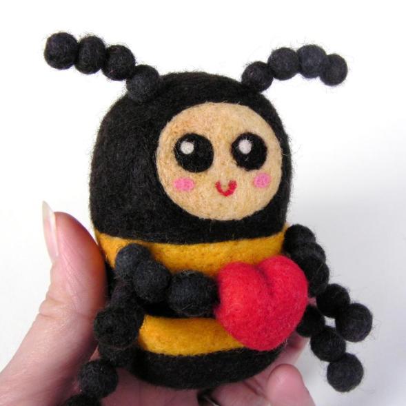 felt Valentine's Bee