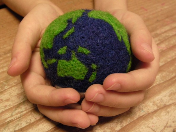 Earth Felt Ball Toy