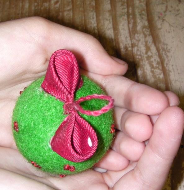 Nonbreakable Felt Christmas Balls