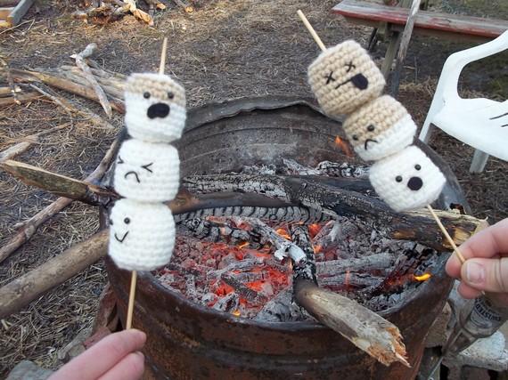 roasting marshmallows playfood