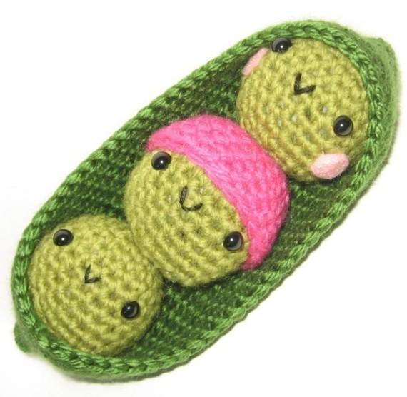 crochet peas in pod