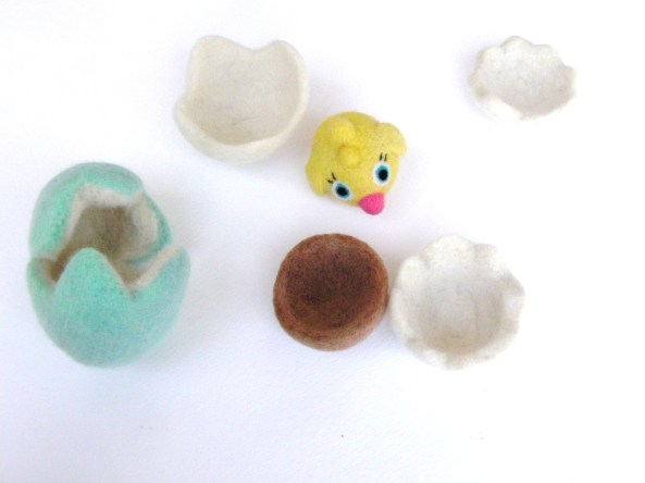how to make felted eggs, and nests