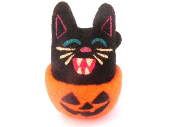 Needle Felt Halloween Kitty