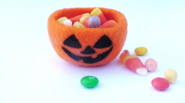 Halloween needle felted jack o'lantern candy bowl