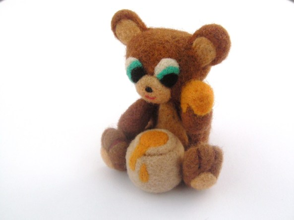 needle felted honey bear