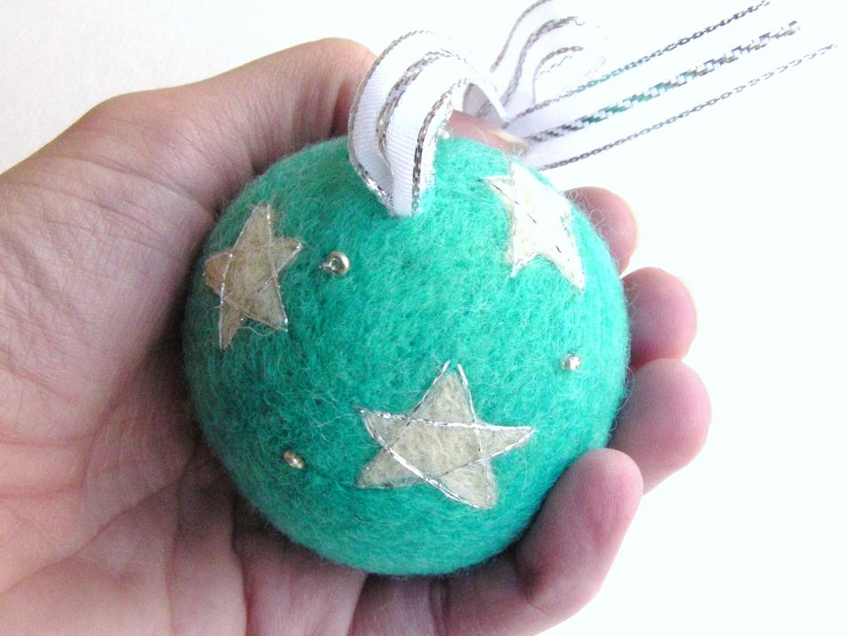 Needle felting tutorial a sparkly tree ornament - Needle felting design ideas ...