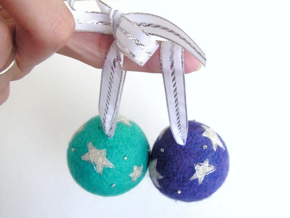 Toys For Ornaments : Ribbon handmade felt toys