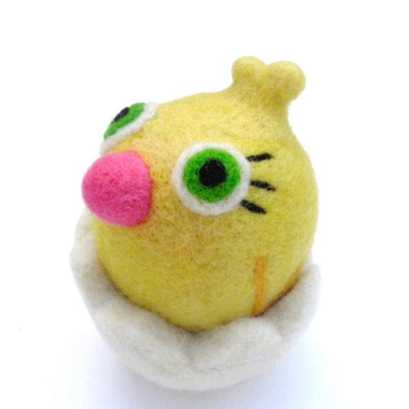 needle felted chick in egg, Easter Toy