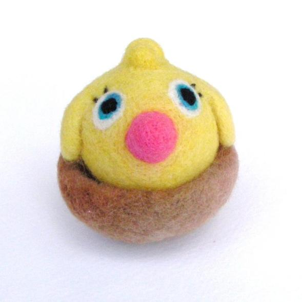 needle felted Easter toy, chick in nest